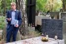 W pętli Uroborosa i Eskulapa. Groby słynnych medyków farmaceutów na Starych Powązkach_25.jpg