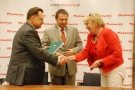 """Podpisanie umowy na realizację projektu """"Rozbudowa i modernizacja infrastruktury sieciowej, serwerowej i aplikacyjnej WUM"""""""