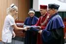 Czepkowanie absolwentek i absolwentów na kierunku pielęgniarstwo [14].jpg