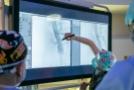 """Pierwsza w Polsce, pionierska operacja implantacji stengraftu fenestowanego """"in situ"""" laserem eksimerowym w leczeniu tętniaka okołonerkowego"""